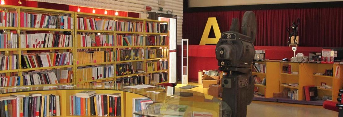La storica libreria carnevali in vendita serve nuovo for Libreria in vendita